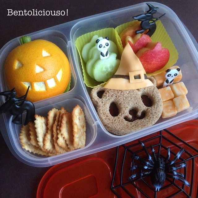 Witchy Panda and Pumpkiny Orange jumped in the Halloween lunchbox today. via bentoliciouso -instagram