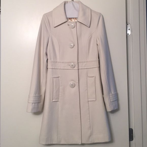 Tulle Cream Wool Coat Love this long Tulle Coat! Gently