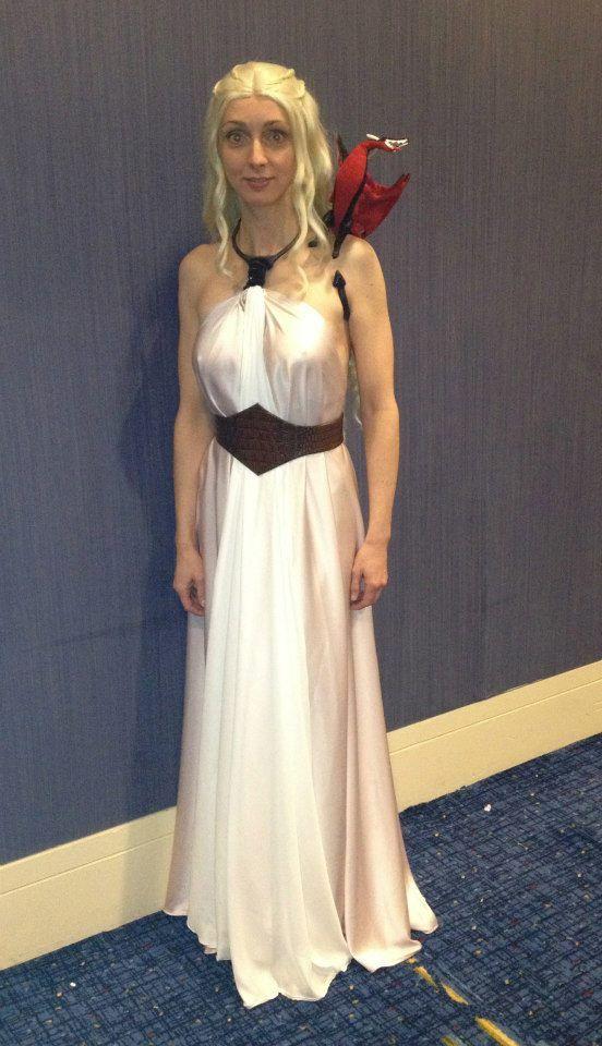 Danaerys season 3 dress in silk by Lorigami model Aimee Popp #gameofthrones #khaleesi #danaerystargaryen