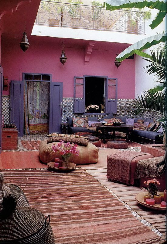 Outdoor Moroccan Living. Pink and blue. Moroccan style.
