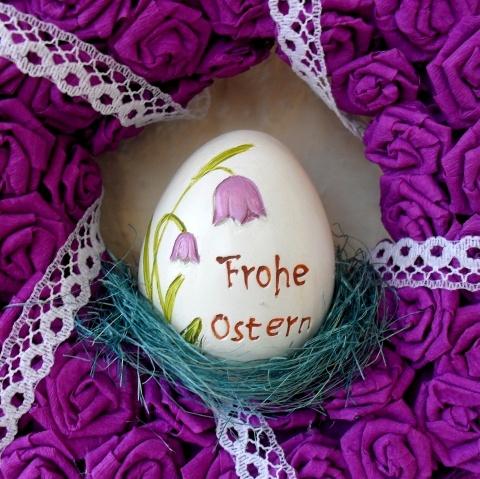 Húsvéti lila ajtódísz kerámia tojással - Rendelhető , Dekoráció, Otthon, lakberendezés, Dísz, Húsvéti mindenféle, #meska #easter #wreath