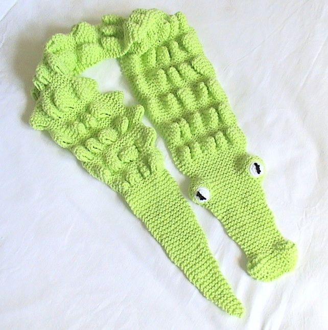 Knitting Pattern Alligator Scarf : 1000+ images about Knitting on Pinterest Cable, Purl bee and Knitting