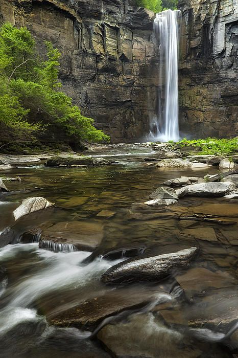 Taughannock falls state park in Ulysses New York, in the Finger lakes region. #taughannock #taughannock #watkinsglen #watkinsglenstatepark #newyork #newyorkstate #fingerlakes #watkinsglenny #watkinsglennewyork  #ethereal billwphotos.com
