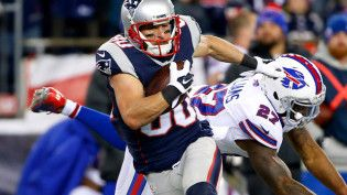 Danny Amendola, Aaron Dobson Injuries Force Patriots To Adjust Play-Calling