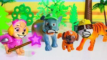 Щенячий патруль новые серии Скай ПРЕВРАЩЕНИЕ Развивающие мультики про игрушки для детей Paw Patrol http://video-kid.com/21521-schenjachii-patrul-novye-serii-skai-prevraschenie-razvivayuschie-multiki-pro-igrushki-dlja-det.html  Щенячий патруль новые серии Скай ПРЕВРАЩЕНИЕ Развивающие мультики про игрушки для детей Paw Patrol Мультик Щенячий патруль  Смотреть развивающие мультфильмы про то как Скай нашла волшебную палочку и превратила Гонщик Зума Рокки и Крепыш в диких зверей Развивающие…