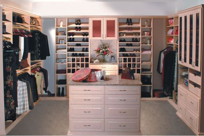 30 Awesome Small Walk In Closet Design Ideas And Inspiration For