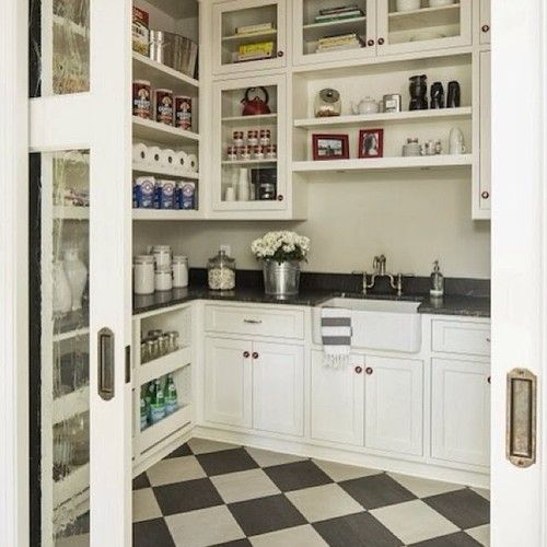 Now THIS is my kind of butler's #pantry! #organized #SilverLining