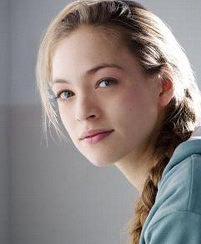 Julie Engelbrecht born june 30, 1984 in paris, france