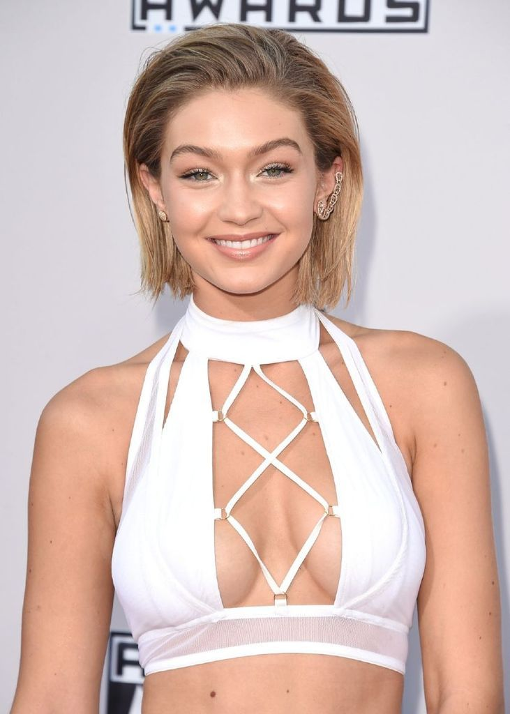 Gigi Hadid – 2015 American Music Awards : Global Celebrtities (F) FunFunky.com