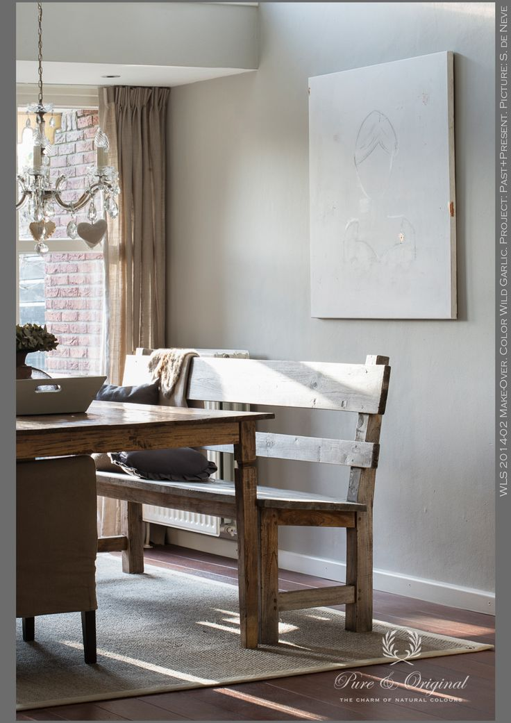 Classico krijtverf - ChalkPaint. Color Wild Garlic. This color makes its light and gives a warm atmosphere. Using our chalk paint with also 100% mineral pigments, is environment friendly. Looking for 100% mineral paint? Take a look at our Fresco Lime Paint her on pinterest of our website. http://www.pure-original.com/different-types-paints/fresco-lime-paint.