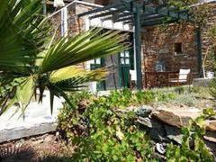 ΚΥΘΝΟΣ Καλό Λιβάδι, νεόδμητο διαμέρισμα 40 τ.μ., ισόγειο, κατασκευή '08, studio, πέτρινο, θέα θάλασσα, πάρκιν, κήπος, 100μ. από θάλασσα, εξοπλισμένο, ωραία θέα, κοιμίζει έως 5 άτομα, για σεζόν ή χρόνο, διαθέσιμο και για Πάσχα, τιμή 40€ , 6949/190731