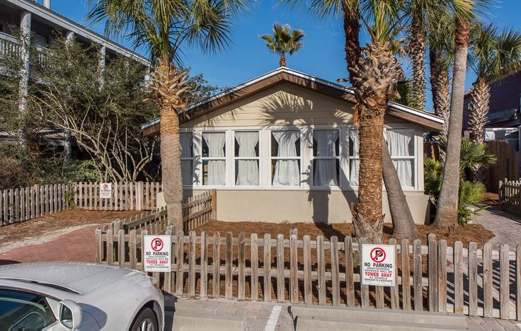 VRBO.com #653181 - Pet Friendly Cottage in Grayton Beach; 100' to the Beach! Private Pool