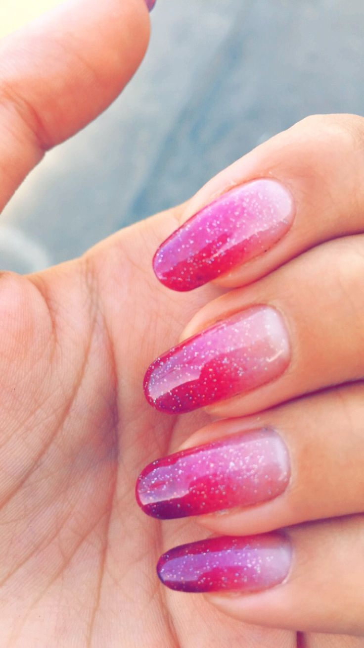 I have been really loving my pink nails. Pink Ombre.