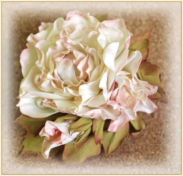 Заколка-брошь роза (фоамиран)