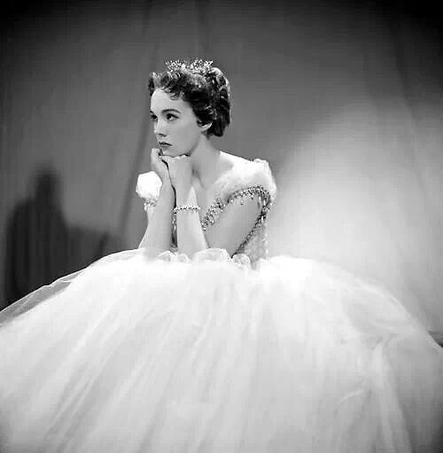 """Julie Andrews /""""Cinderella"""" /1957 She looked so different when she was younger but still just as beautiful."""