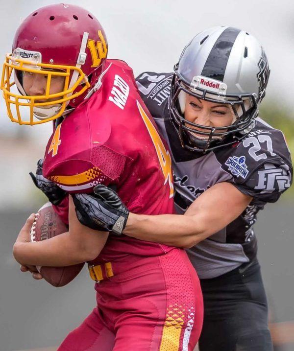 Gridiron Victoria Jordan Di Mizio Making A Tackle Tackle Football Womens Football American Football League