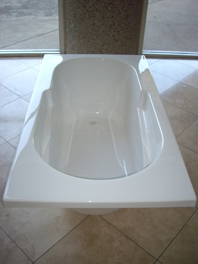 133 best images about small bathroom ideas on pinterest for Small japanese soaking tubs small bathrooms