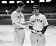 """The oldest living Hall of Famer signs autographs """"as long as they keep wanting it.''"""