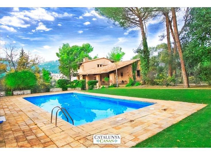 Spain is famous for it's holiday destinations, festivals and awesome guest services. Here, Catalunya Casas provides the house, apartment and private villa with pool for accommodation in Barcelona, Costa Brava and Costa Dorada. Book your accommodation now @ http://www.catalunyacasas.com