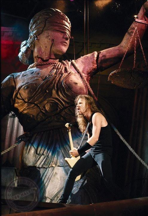 Old School - Metallica. Seen this show n 2 others.. the G&R. and faith no more show.. was killer