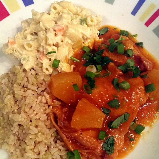 レシピとお料理がひらめくSnapDish - 8件のもぐもぐ - pineapple bbq chicken thighs with hawaiian macaroni salad #yum by Patty German
