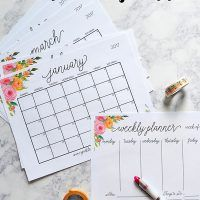 Make the holidays easier this year with a 2017 Holiday Planner, complete with Advent scriptures and daily devotional page!