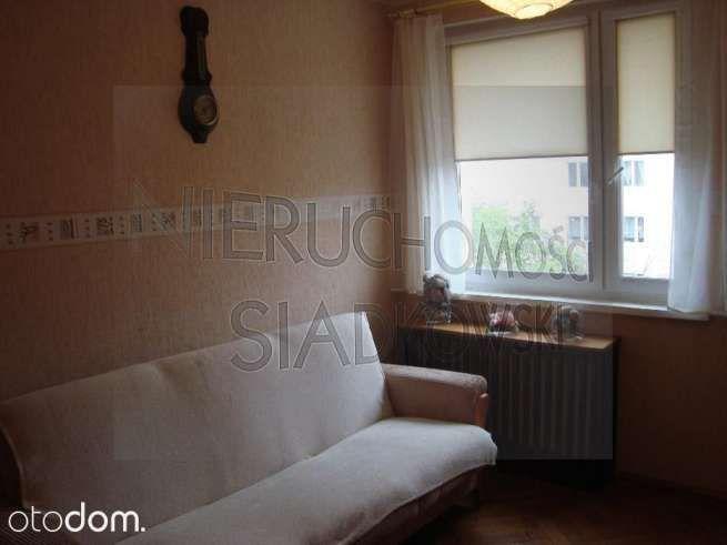 Zobacz to 2 pokojowe mieszkanie na wynajem w miejscowości Bydgoszcz, Osiedle Leśne, za cenę 1 000 zł/miesiąc. To mieszkanie na wynajem na 3 piętrze ma 52 m² powierzchni użytkowej i 52 m² powierzchni całkowitej. Otodom 46209366