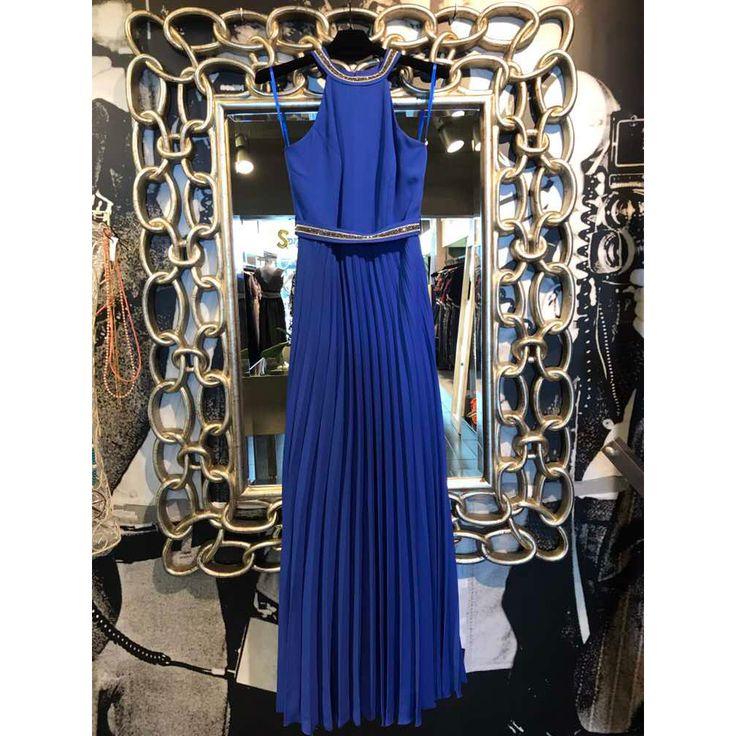 Maxi φόρεμα για να μαγέψετε τους πάντες σε κάθε σας εμφάνιση !!! Διαβάστε περισσότερα εδώ : bit.ly/2wrxuNo