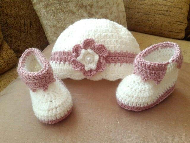 Botas y gorro bebe mis trabajos pinterest crochet babies and crochet baby - Gorro piscina bebe ...