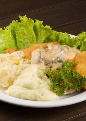 Schnitzel (lombo de porco empanado)