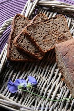 Buckwheat Sourdough Bread with Plums // Chleb gryczany ze śliwkami na zakwasie