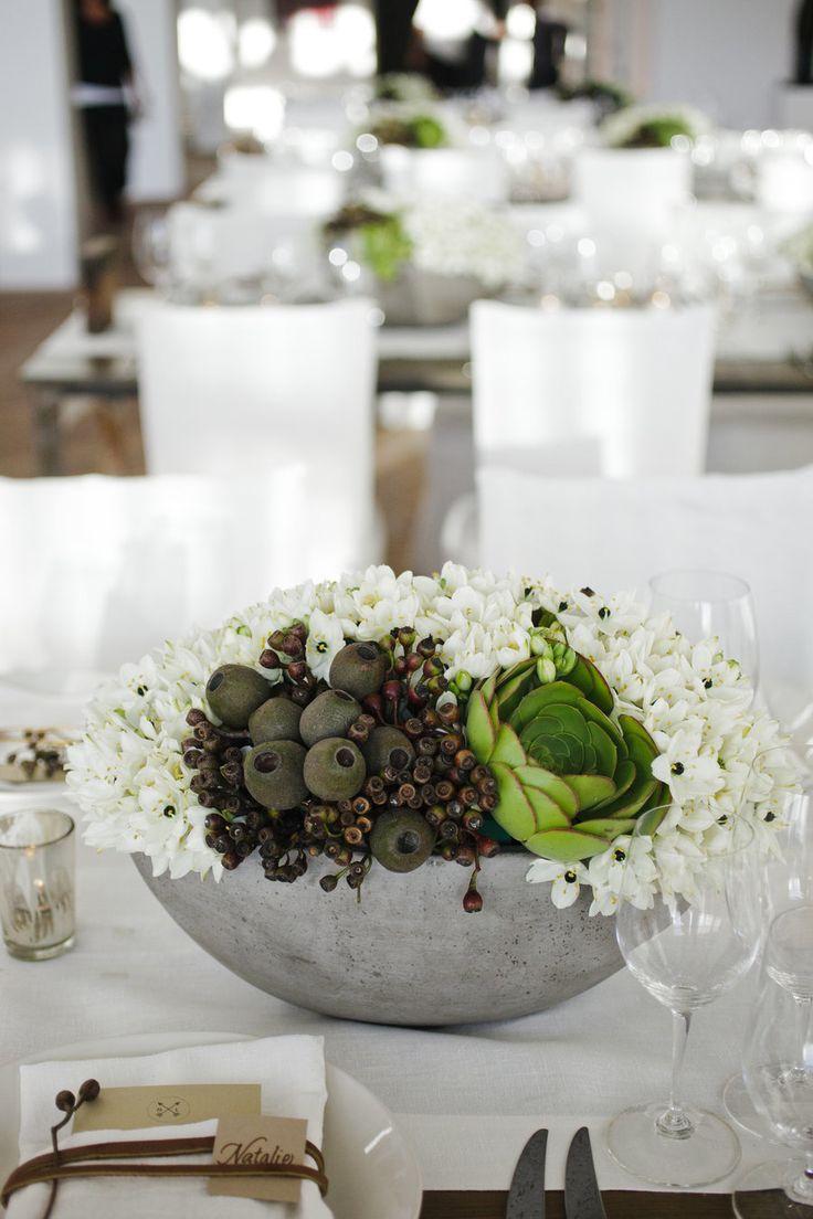 #succulent, #centerpiece Photography: Weddings by Sasha -  weddingsbysasha.com/ Event