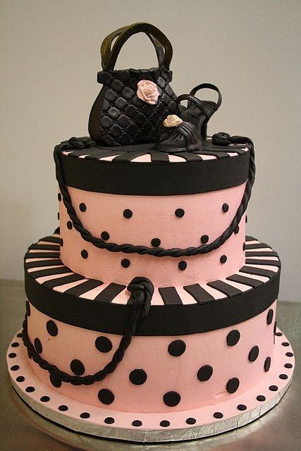 Tarta FASHION¡¡ LOVE¡¡ con bolsito negro y tacones negros con flor ROSA