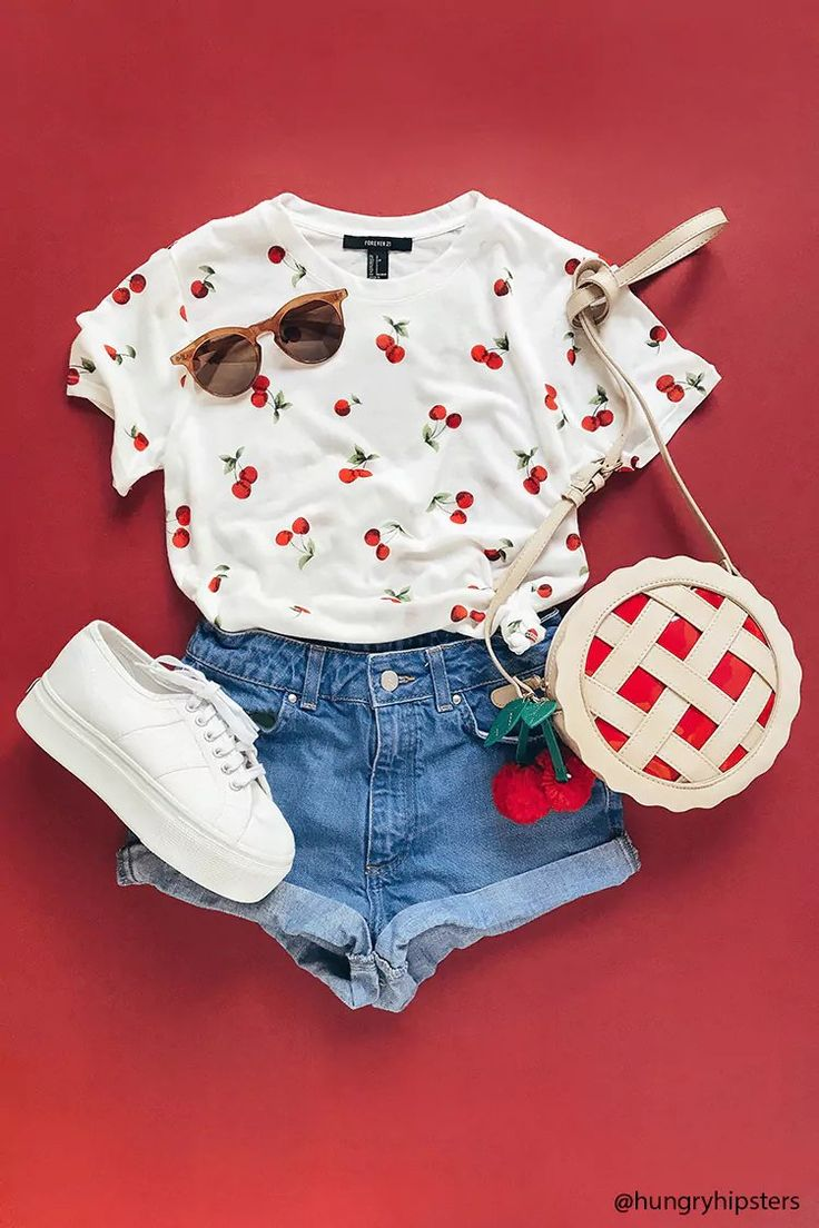 Product Name:Cherry Print Tee, Category:CLEARANCE_ZERO, Price:8.9