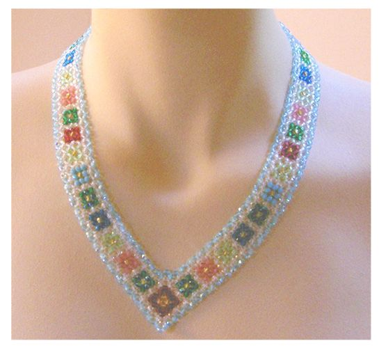 Right Angle Crystal : Crystal necklace with diagonal right angle weave pattern