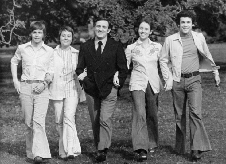 Lino Ventura - La Gifle - 1974 - Isabelle Adjani - Annie Girardot - Francis Perrin - Jacques Spiesser