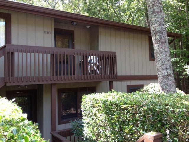 Great rental location at Lake Allatoona. 2602 Fairway Oaks, Waleska, GA - presented by HomeSalesForce.com