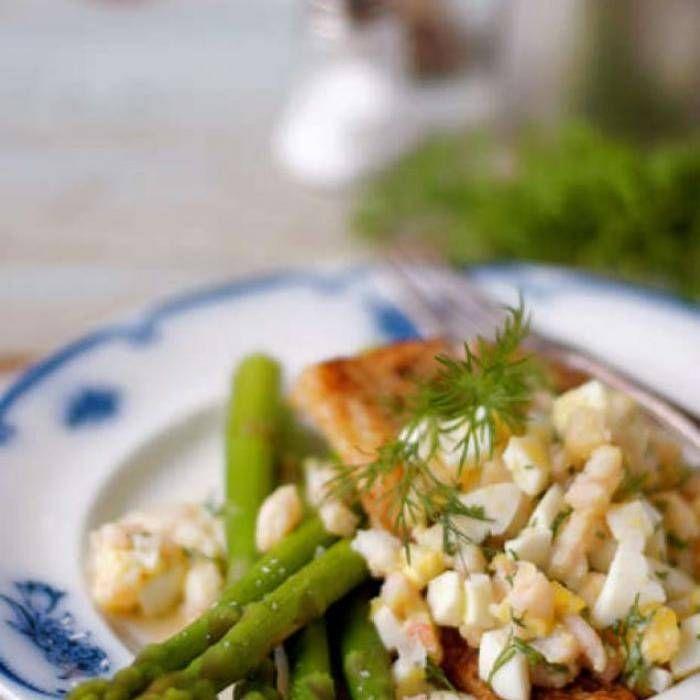 torskfilé med hackat ägg och räkor - Mitt Kök