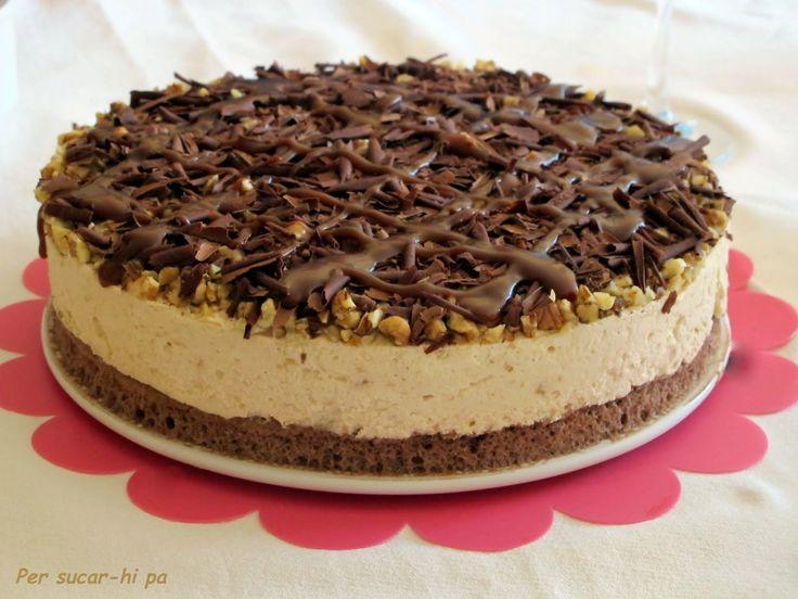 Las celebraciones, básicamente aniversarios, mantienen la producción de tartas y pasteles en un bue...