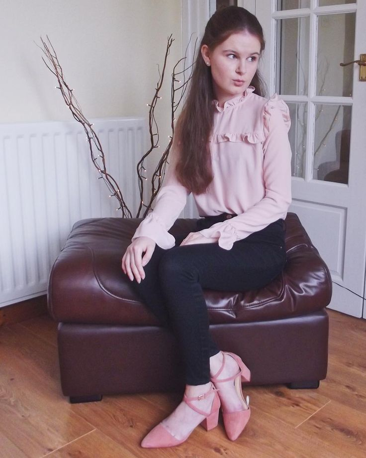A pink frilled blouse, did someone say Chloe's signature style? Everything about this just screams ME.