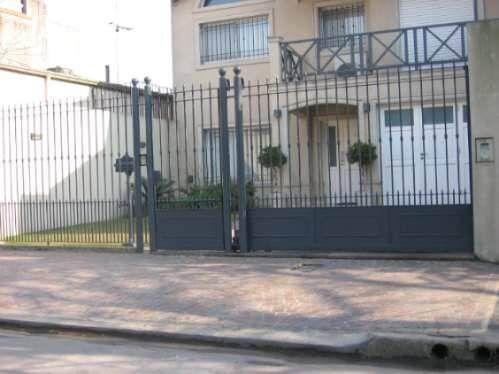 Frentes de rejas portones puertas cerramientos for Frentes de casas pintadas