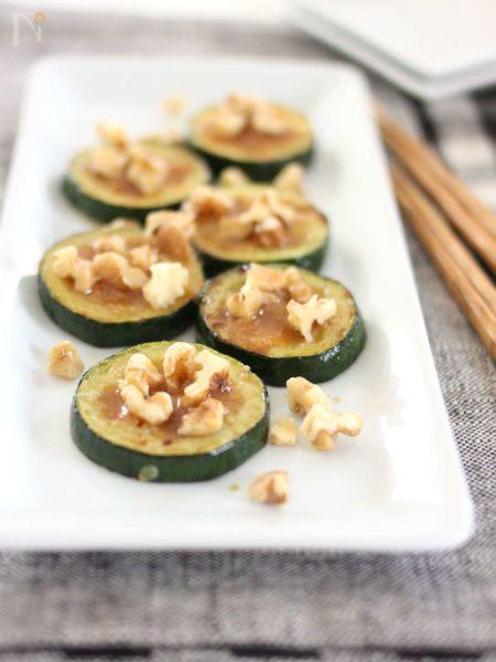 誰が作っても失敗なし!量も作り方も適当でOK♪旬のズッキーニを簡単レシピで味わいます!