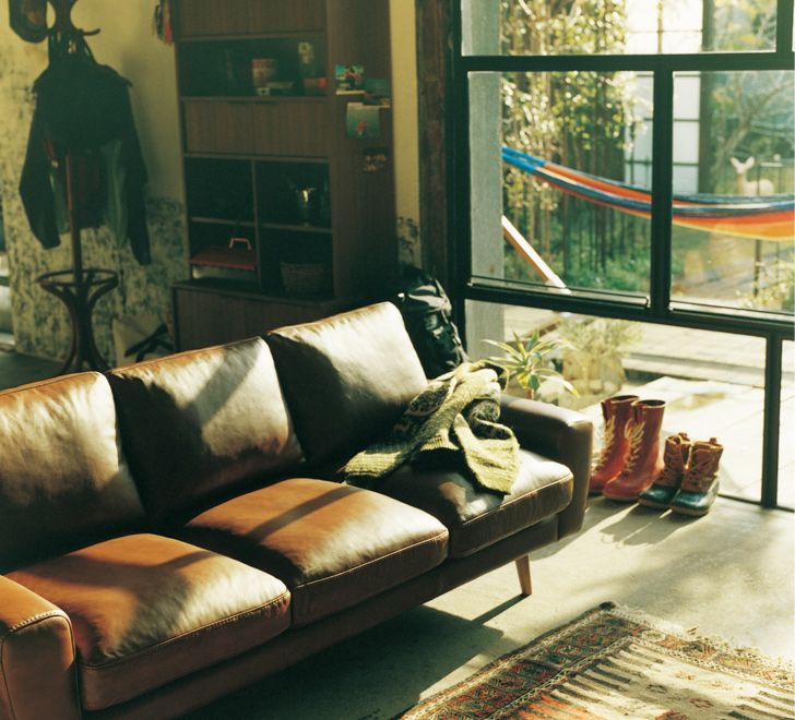 休日を楽しむふたりのリビング一覧   ≪unico≫オンラインショップ:家具/インテリア/ソファ/ラグ等の販売。