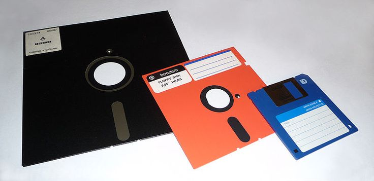 Floppy disk - several formats (8 - 5,25 - 3,5 inch) : I used a lot of these disks!