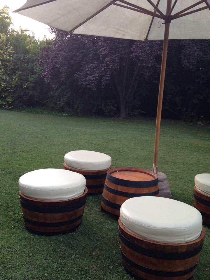 barricas de madera, terraza