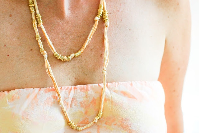 DIY Gold Ring necklaceDiy Gold, Diy Necklaces, Rings Necklaces, Diy Jewelry, Crafts Jewelry, Gold Rings, Handmade Gifts, Friendship Bracelets, Twine Crafts