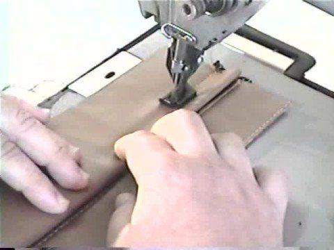 http://www.milmoldescursos.com El video muestra la técnica de confección de un cierre de cartera o mochila oculto por pestaña, paso a paso..