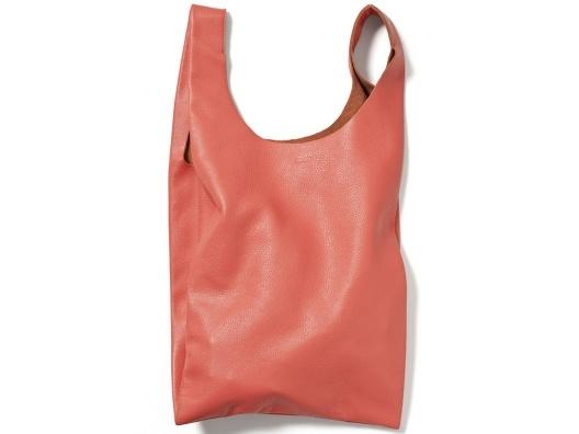 leather baggu: Bags Leather, Black Outfits, Baggu Leather, Leather Totes Bags, Baggu Small, Leather Baggu, Small Leather Bags, Bags Baggu, Bags Shoes