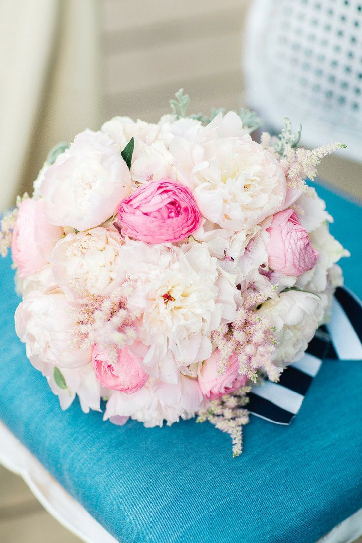 36 Beautiful and Unexpected Ways to Use Flowers in Weddings. http://www.modwedding.com/2014/02/21/36-beautiful-and-unexpected-wedding-flower-ideas/ #wedding #weddings #reception #centerpieces #bouquets