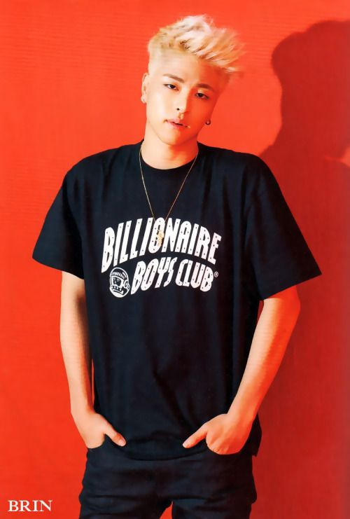iKON Junhoe Welcome Back 'Half Album' Photobook © BRIN